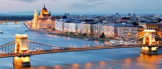 Wakacje: 2 dni w Budapeszcie za 257 PLN (loty z Warszawy + noclegi)