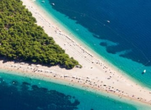 Wakacyjny wypoczynek na chorwackim wybrzeżu – 7 dni za 581 PLN (loty z Warszawy + zakwaterowanie)