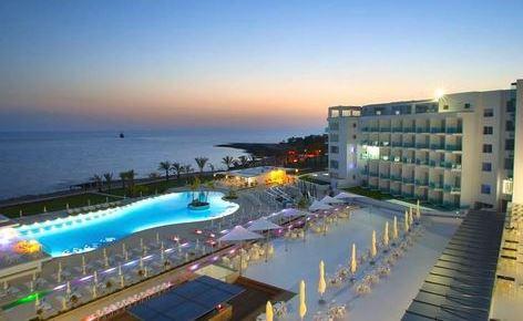 First minute! Tydzień z wyżywieniem w 3* hotelu z wyżywieniem na Cyprze za 1422 PLN!