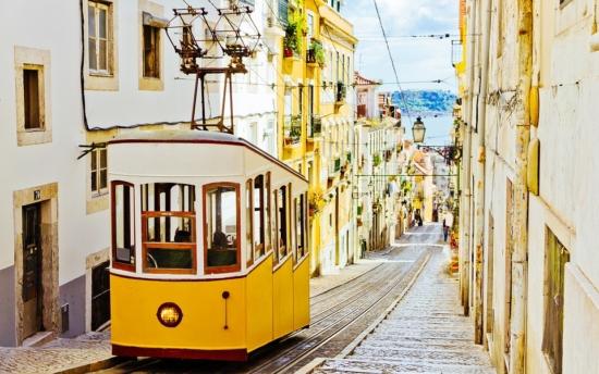 Lizbona z Polski. Przeloty już od 208 PLN (+loty w wakacje)