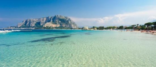 Na Maltę, Sycylię od 173, Teneryfę za 365 lub do Dubaju od 437 PLN. Z Katowic