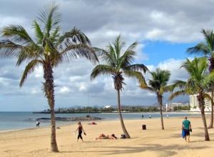 Wakacje na Wyspach Kanaryjskich – Lanzarote na 7 dni za 727 PLN (loty + noclegi)
