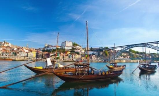 Wakacje w Portugalii. Loty do Porto z Katowic za 228 PLN