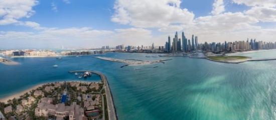 Luksusowe wczasy w Emiratach Arabskich – 5* Sheraton Sharjah Beach Resort & Spa ze śniadaniami od 2123 PLN. Wylot z Katowic