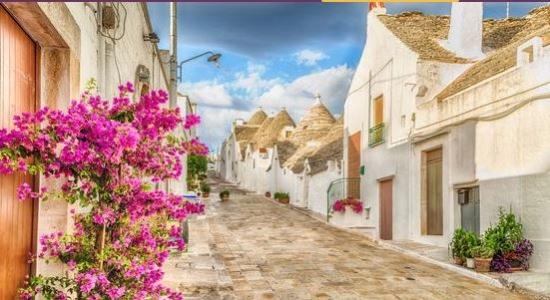 Tydzień dla 4 we włoskiej Apulii - 652 PLN/os: loty, dobry 3* hotel SPA z basenem i auto!